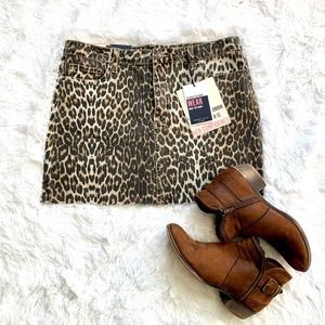 Angel Kiss | Leopard Mini Skirt